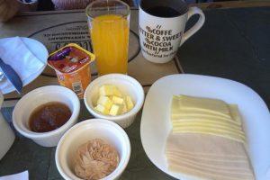 desayuno-con-cafe-te